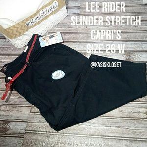 ❗2/$20❗Lee Riders Plus Size Stretch Capri's W Belt